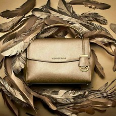 Michael Kors kožená kabelka Ava small saffiano leather crossbody pale gold