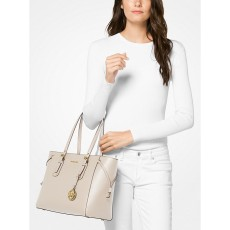 Michael Kors kabelka Voyager medium crossgrain leather light send