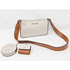 Michael Kors kabelka jet set travel xby w tech attch vanilla