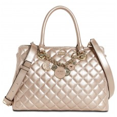 GUESS kabelka Victoria quilted girlfriend satchel champagne